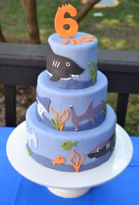 shark cake 077