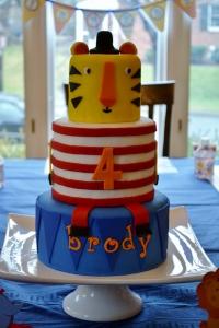 circus cake 2