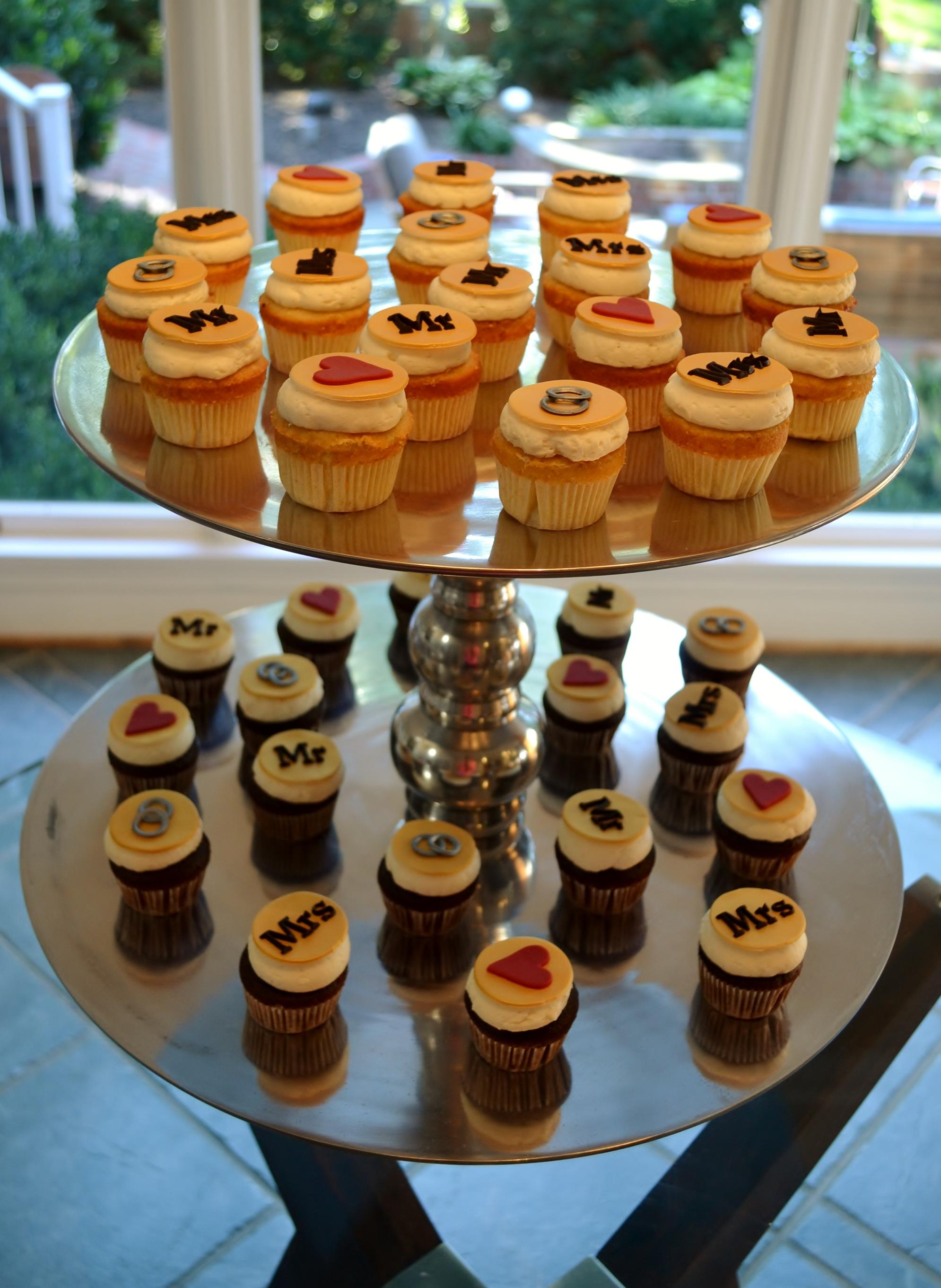 bridal shower cupcake display cupcake 004 cupcake 002