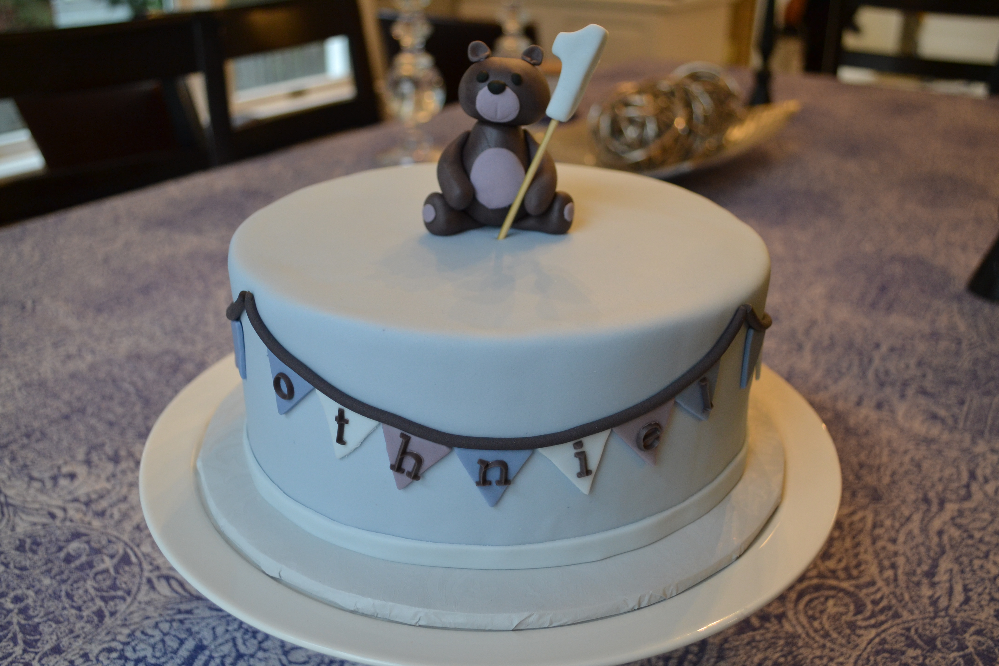Cake Design Teddy Bear : Teddy Bear 1st Birthday Cake